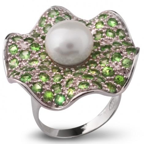 Серебряное кольцо с жемчугом и цаворитом